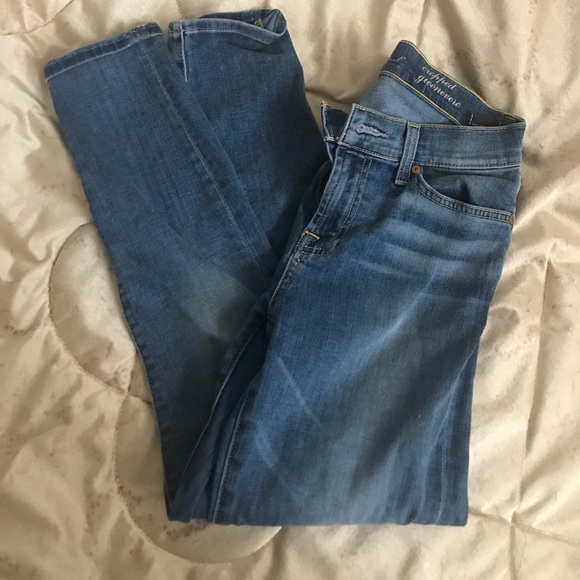 7 For All Mankind Denim - 7 for all Mankind cropped Genevieve Capri jeans